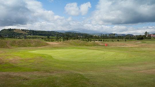 Hole 17 at Rhos-on-Sea Golf Club